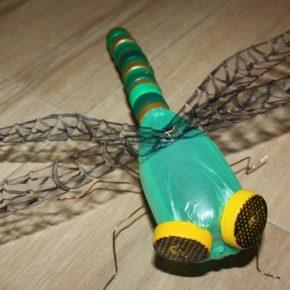 Как сделать оригинальные поделки из бутылок для сада и огорода. Мастер-класс для начинающих