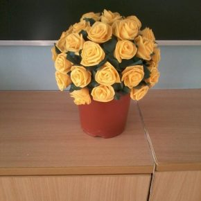 Топиарий из салфеток — как сделать красивые белые розы, новогодние картинки или дерево с листьями (видео мастер-класс)